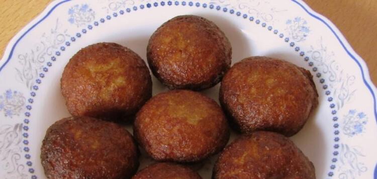 Unniyappam/Rice Flour Fritters