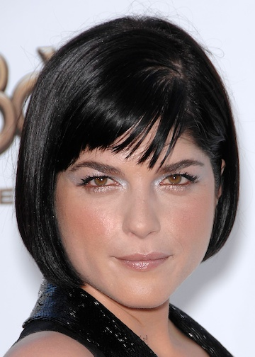 Selma Blair Stylish Short Hairstyle  YusraBlogcom
