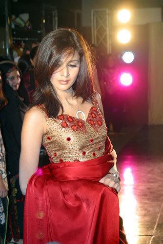 Wallpaper Wedding Girl Saba Qamar Profile And Pictures Pakistani Fashion Model