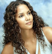 inspirational halle berry hairstyles