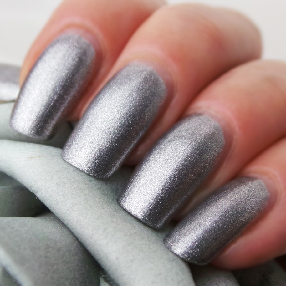 Sans-Soucis-Metallic-grey-180-YuStSoMe-L2