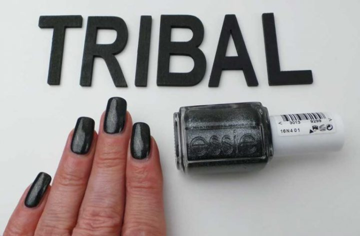 essie-tribal-text-styles-swach-nailpolish-nagellak-nails-nagels-lakken-zwart-yustsome-6