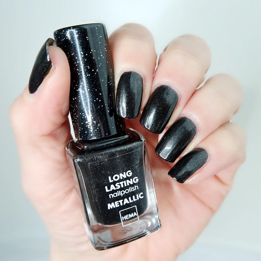 Hema-long-lasting-nailpolish-le-metallic-zwart-nagellak-swatch-yustsome-1