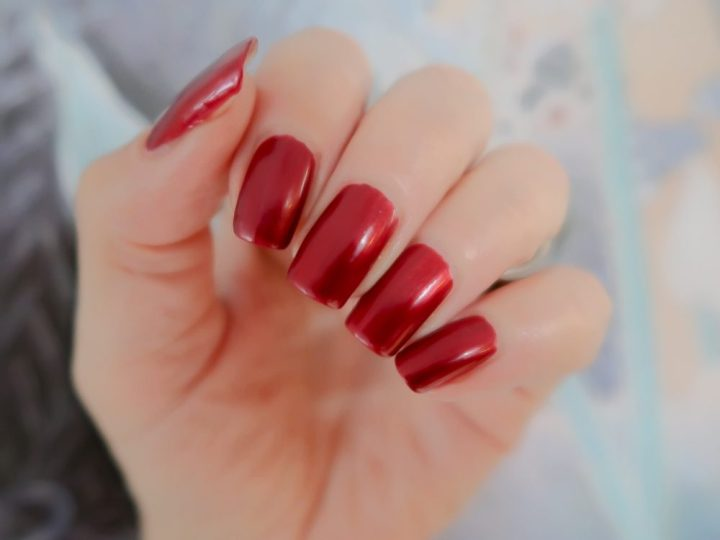 Risqué, rubi, nailpolish, nagellak, metallic, robijn, rood, beauty, blog, yustsome
