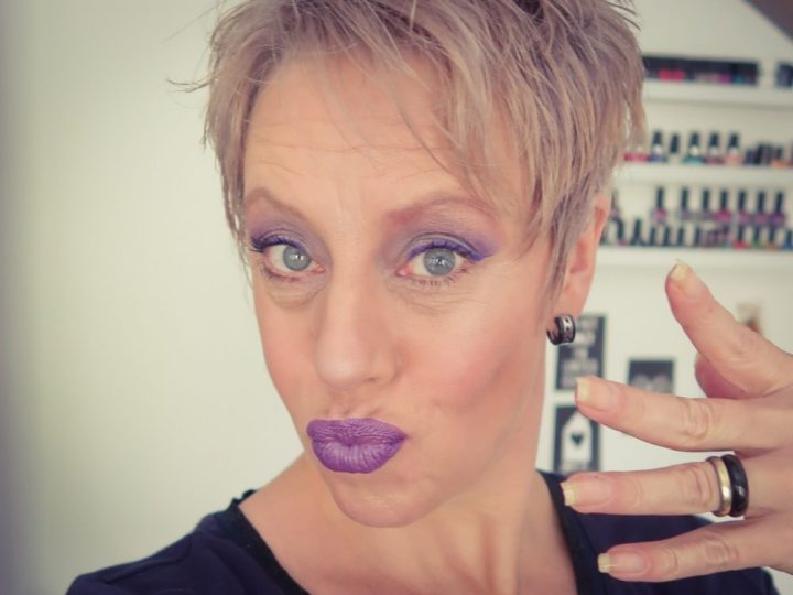 Nyx, vivid, brights, eyeliner, beauty, makeup, douglas, nyxcosmetics, beautyblog, blogpost, blog, yustsome, winged