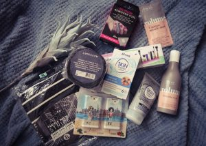 Action, shoplog, fake fur, remover foil, shirt, skin, hand, spray, beauty, blogger, volume, hair, cosmetica, organiser