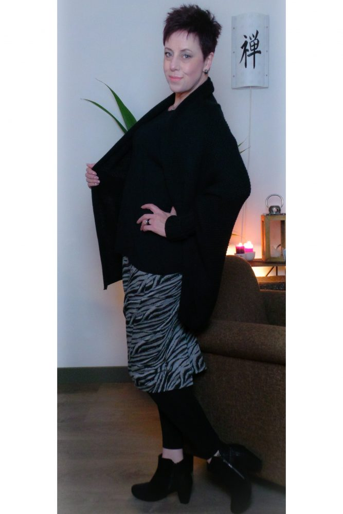 #fashionover40, fashion, zelfmaakmode, diy, rok, skirt, blogpost, yustsome, takko, takko fashion, vest, winter