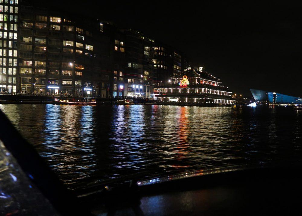 Door de Amsterdamse grachten