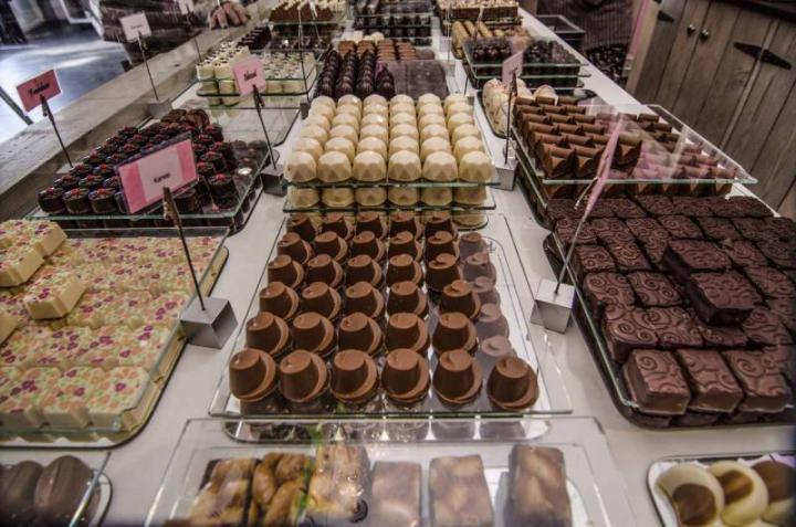 Brabant, kaartjes, kaortjes, Moniek, handlettering, ijs, ijssalon, Gimmerse, verleiding, chocolaterie, bonbons, lifestyle, yustsome