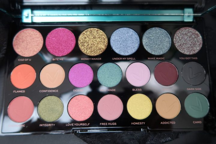 Carmi, mua, make-up, artiest, Makeuprevolution, magic, palette, eyeshadow, beauty, beautysome, review
