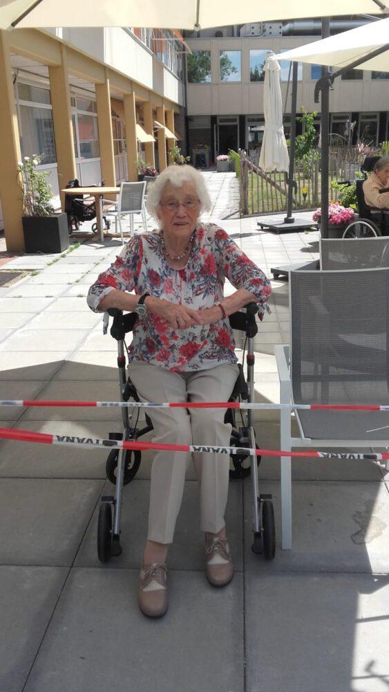 Corona, oude mensen, oma