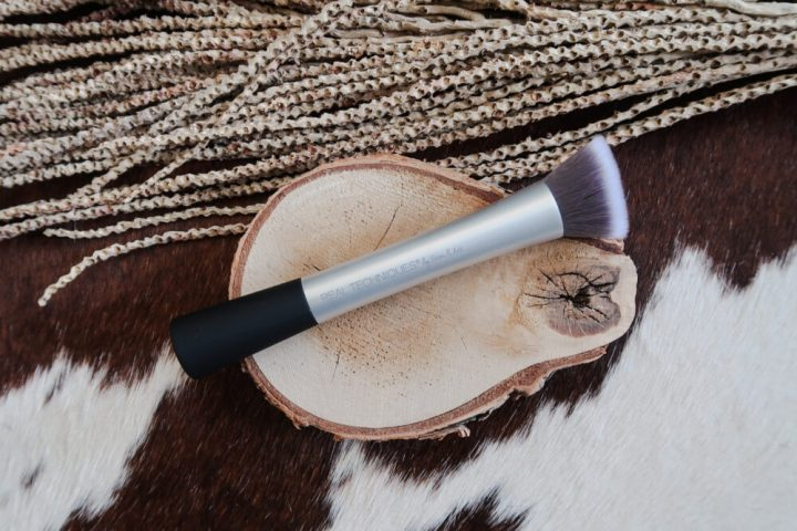 Real Techniques complexion blender brush review
