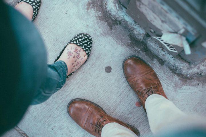zweetvoeten, oplossing, help, vraag, pedi, spray, sokken, katoen, lederen, schoenen, stinken, voeten