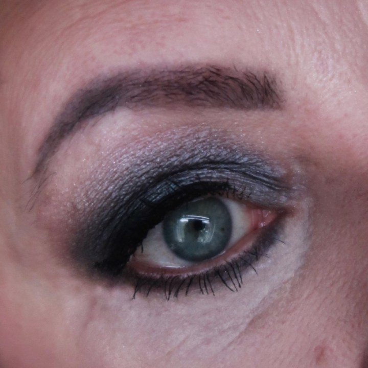 smokin, makeup, obsession, revolution, black, eyeshadow, oogschaduw, look, ogen, 50-plus, smokey, eyes, back tot the eighties