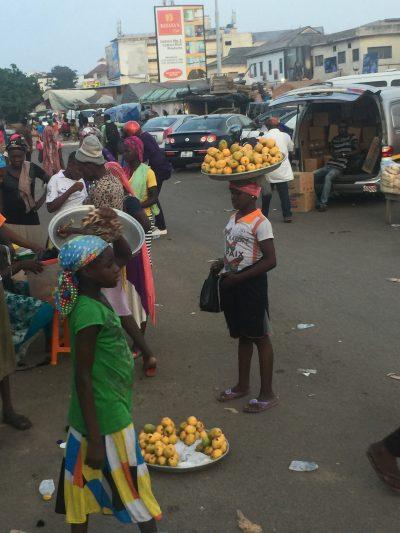 Marché à Accra au Ghana