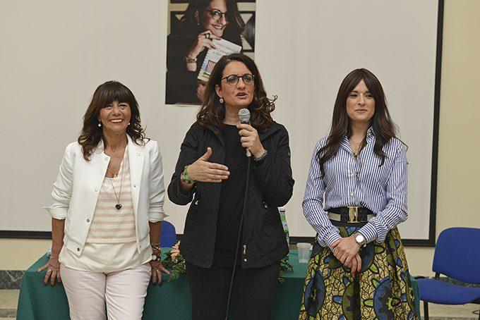 Belpasso, successo per la presentazione del nuovo romanzo di Catena Fiorello