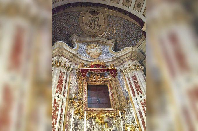 Biancavilla, l'Icona della Madonna dell'Elemosina in viaggio per Roma