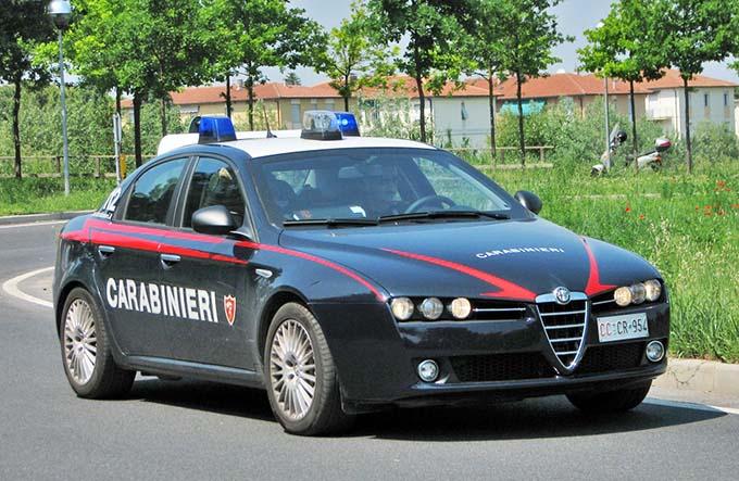 Catania, arrestato adranita per la truffa dello specchietto