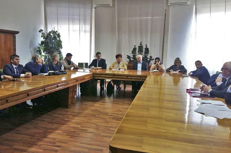 Qè Paternò, oggi incontro a Roma. Viceministro Bellanova: «Azienda dichiari fallimento»