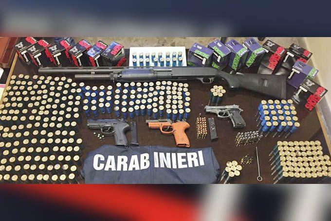 Catania, cane-carabiniere fiuta arsenale. Arrestato 68enne
