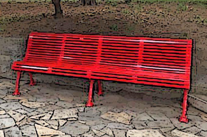 """""""Violentata"""" la panchina rossa di Trecastagni: il dolore di due madri"""