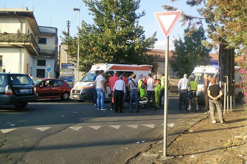 Santa Maria di Licodia: auto investe ciclista. Atterra l'elisoccorso