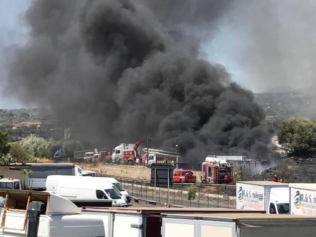 Incendi, Cgil e Flai Catania: «Mancata programmazione e incapacità governo Crocetta»