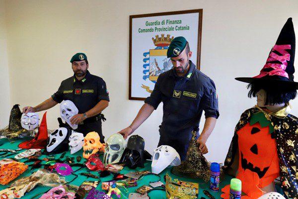 Misterbianco, Guardia di Finanza sequestra articoli per halloween contraffatti