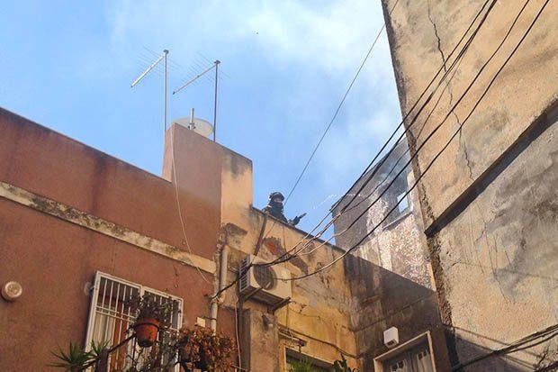 Paternò, mansarda in fiamme: panico in centro storico