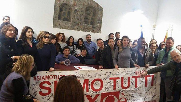 Paternò. Protesta lavoratori ex Qè: occupato Palazzo Alessi