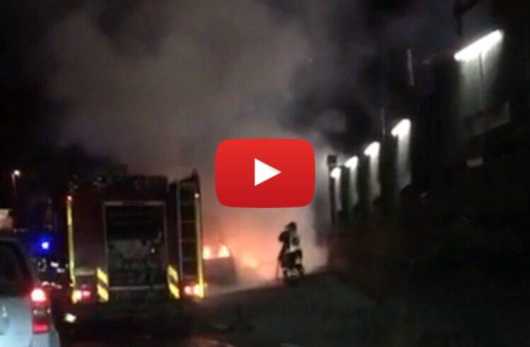 Misterbianco, auto in fiamme sulla statale 121