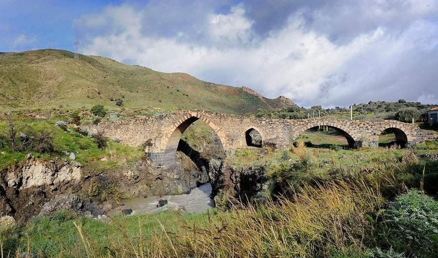La Valle del Simeto, culla di civiltà e crocevia di popoli