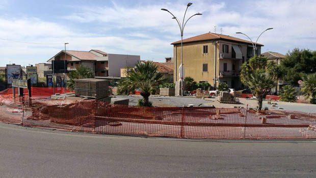 Biancavilla, la città di cemento che elimina il verde