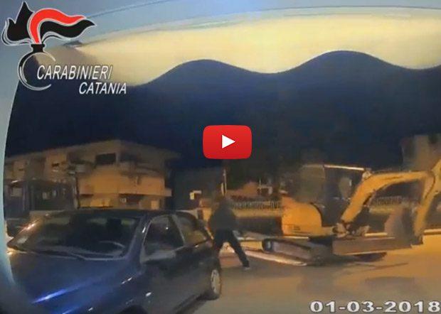 Catania, arrestati 8 della banda del bancomat