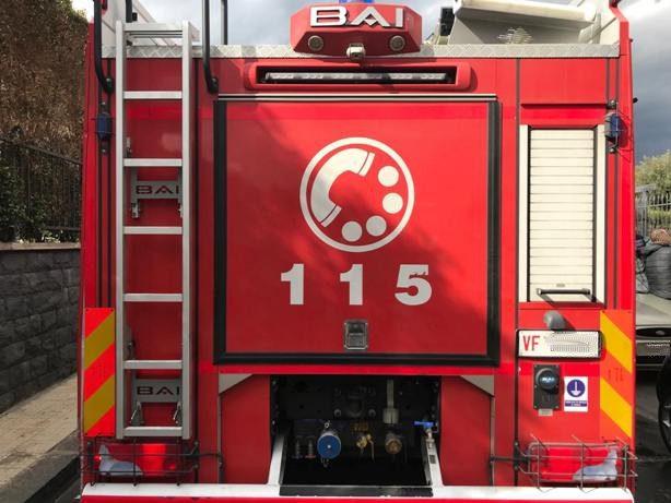 Santa Maria di Licodia. Dopo un intervento per incendio, due pompieri accusano un malore