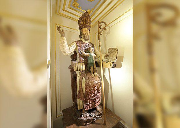 Biancavilla. Inaugurata nella Basilica Collegiata la statua di san Nicola di Mira