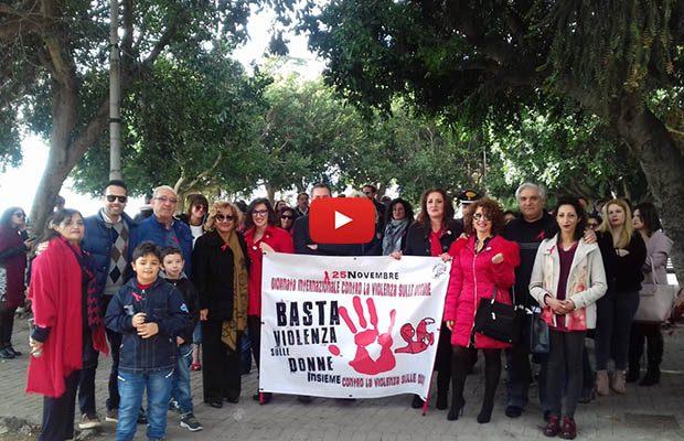 """Santa Maria di Licodia. Ieri """"Camminata contro la violenza sulle donne"""""""