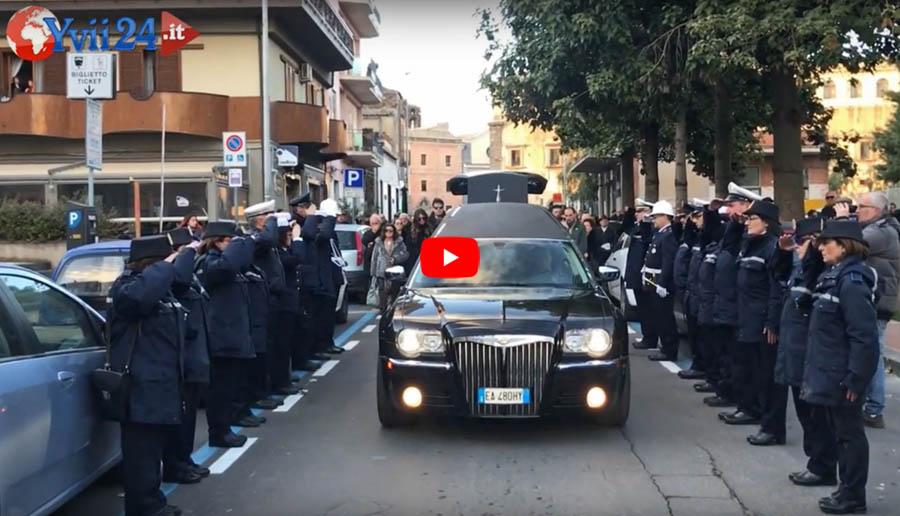 Adrano. L'ultimo commosso saluto al Comandante della Polizia Municipale Carmelo Rao