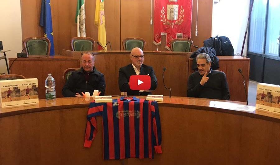 """Santa Maria di Licodia. Presentato libro """"Calci vostri"""" di Claudio Cammarata"""