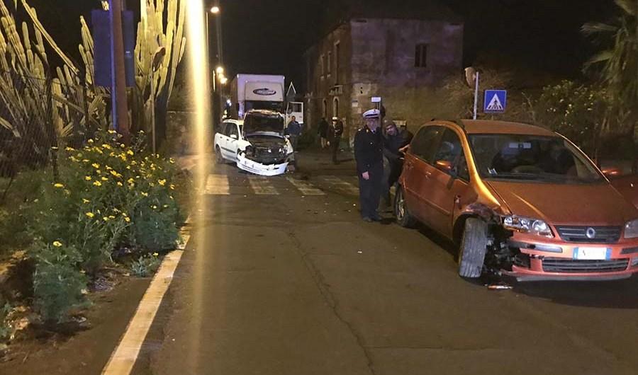 Belpasso. Violento impatto tra due auto in contrada Palazzolo