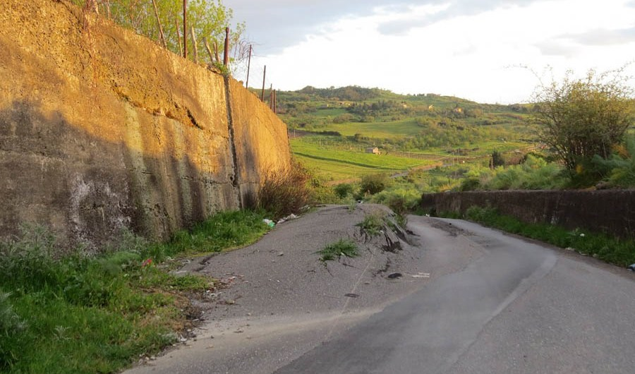 Cinque milioni per risanare la strada Bronte Stuara Santa Venera