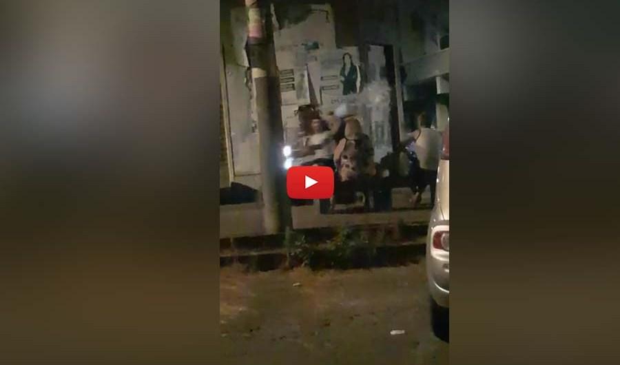 Paternò. Bulli lanciano secchiata d'acqua contro donna