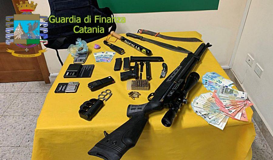 """Catania. Lido """"Le Capannine"""": Detenzione abusiva di armi, arrestato uno dei soci"""