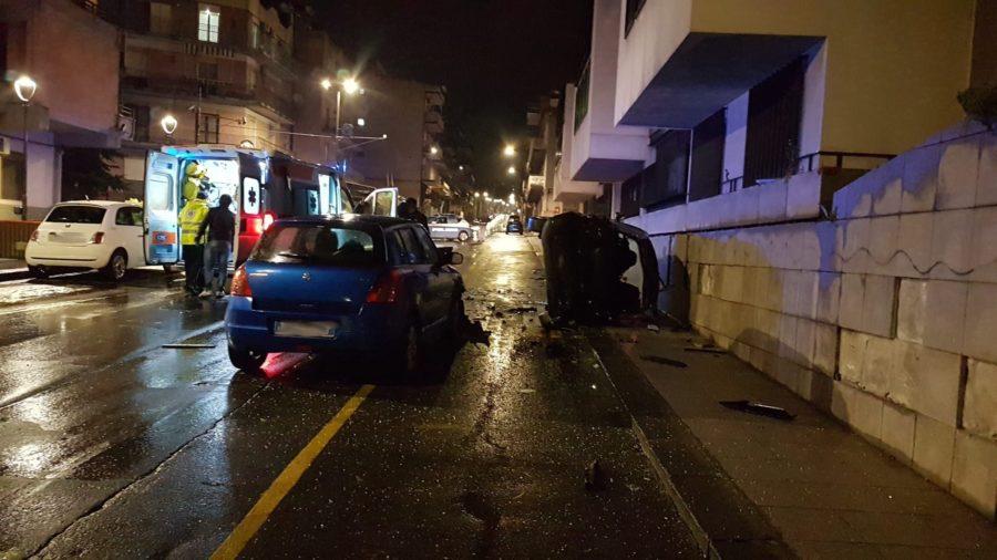 Adrano, l'incidente di via della Regione: 21enne in rianimazione