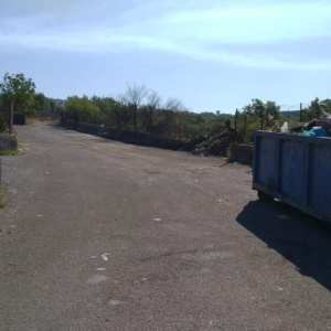 Rifiuti. Ripulita strada comunale di Fora al confine tra Ragalna e Licodia