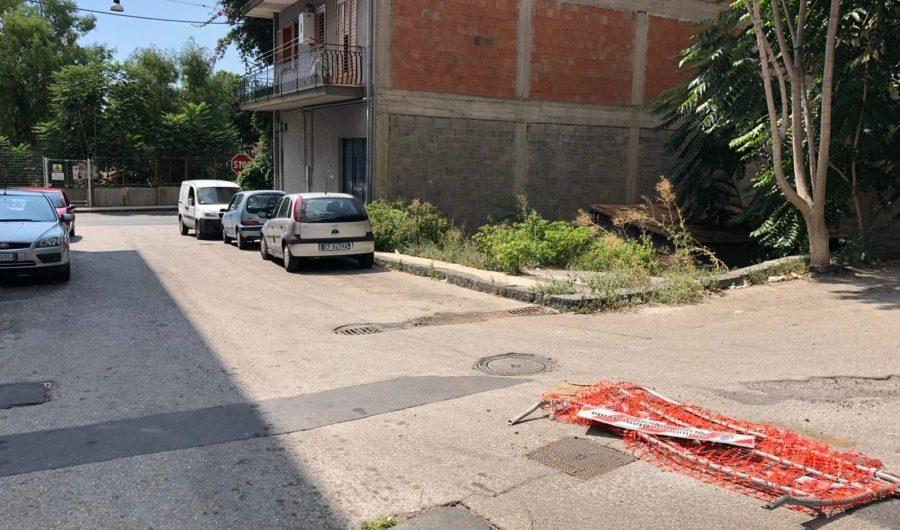 Biancavilla. Quella buca dimenticata in via San Paolo