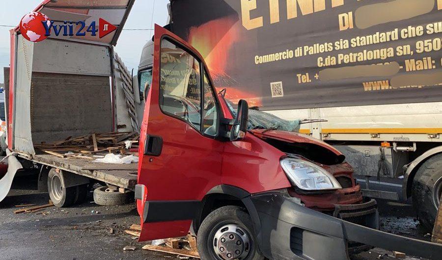 Paternò. Scontro frontale fra camion: ancora un morto sulla statale 284