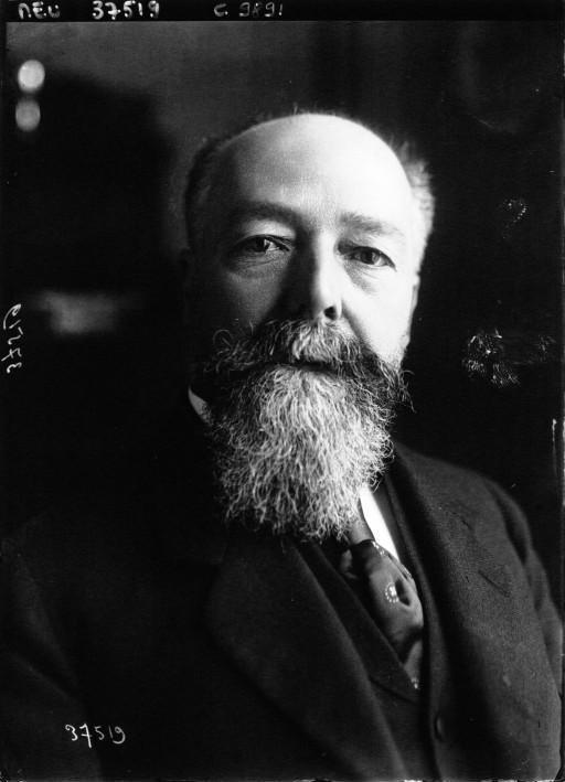 https://i0.wp.com/www.yvongenealogie.fr/wp-content/uploads/2011/12/DOUMER-Paul-Senateur-1913-Agence-Meurisse-Gallica-BnF.jpg