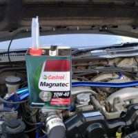 Z32エンジンオイル交換写真(エンジンルーム)