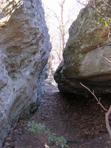 Massive rocks along Moore's Wall Loop Trail